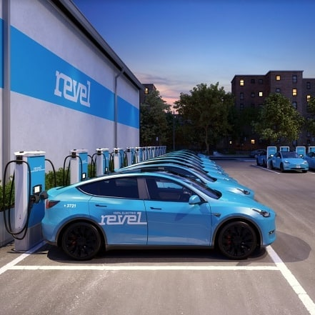 @gorevel Disrupts the already saturated RideSharing market with a fleet of 50 @teslamotors cars...#Tech#Disruptors#Marke...