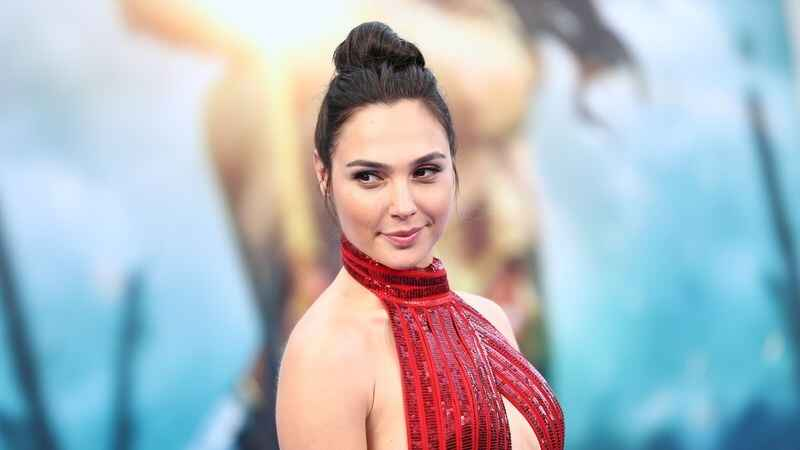 Did you know Gal Gadot was pregnant while filming Wonder Woman? #greenscreen