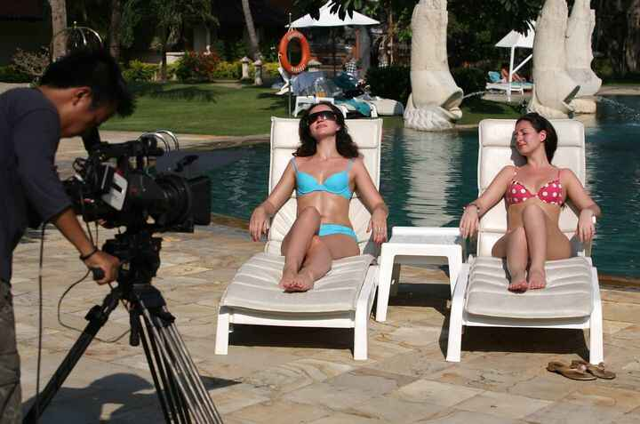 Miami Prompting gig with BFF Chloe Cameron producing