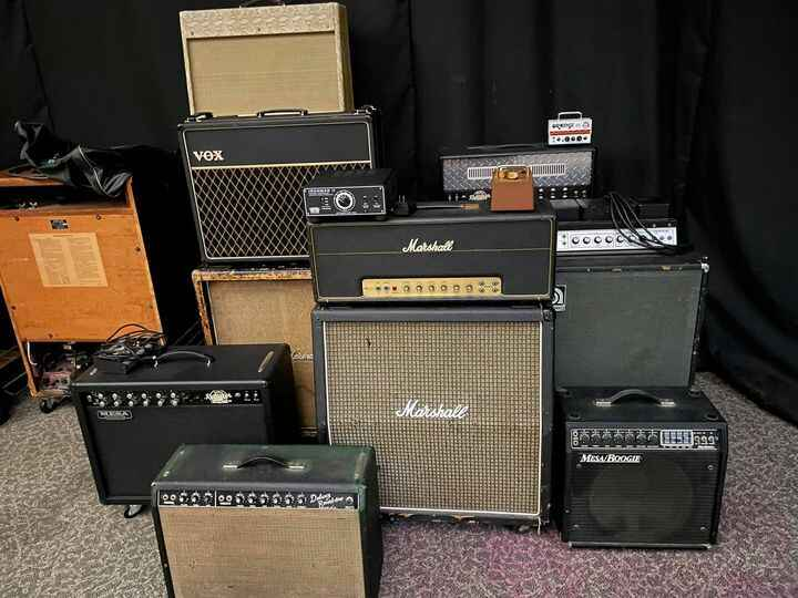 The current amp selection at RGS. There's an Ampeg SVT in the iso booth, also. I think all the bases are covered.