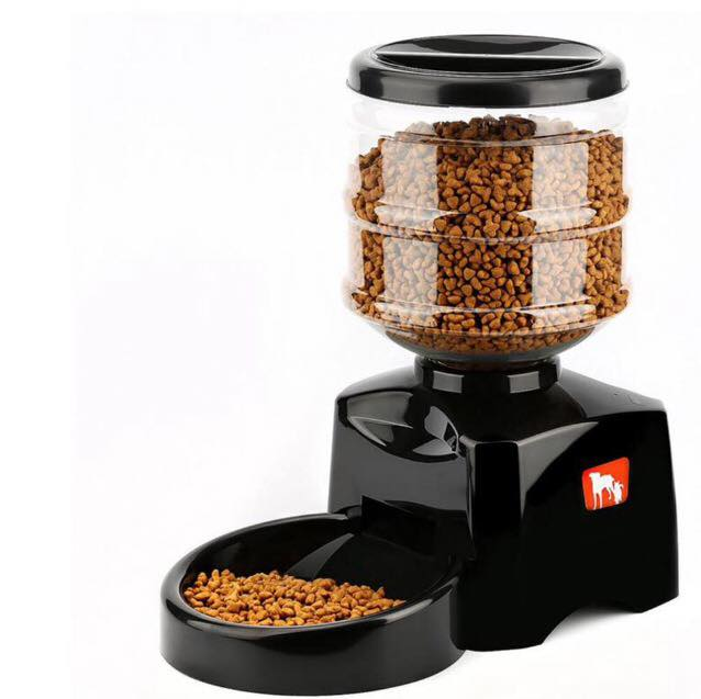 Do you worry about your dog being fed when you're away? Put your mind at ease with one of our Automatic Feeders! 💡🙌🏻 ✅ R...