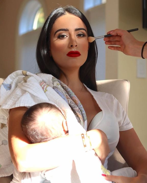 When they say you can't, show them you can! Crushing Multitasking! #glam #motherhood •••••••••••••••••••••••••••••••••••...