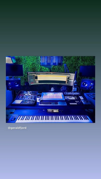 A DEK in another Beautiful Studio # Gerald Fjord