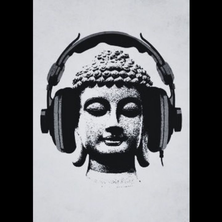 Music on World off 🎧 #ohm ...........#Humpday #pause #takesometime #breathe #electronicmusicculture  #techno #technomusi...